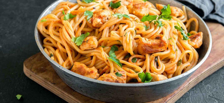 Chicken_Spaghetti_in_Tomato_Basil_Sauce_Recipe_-1